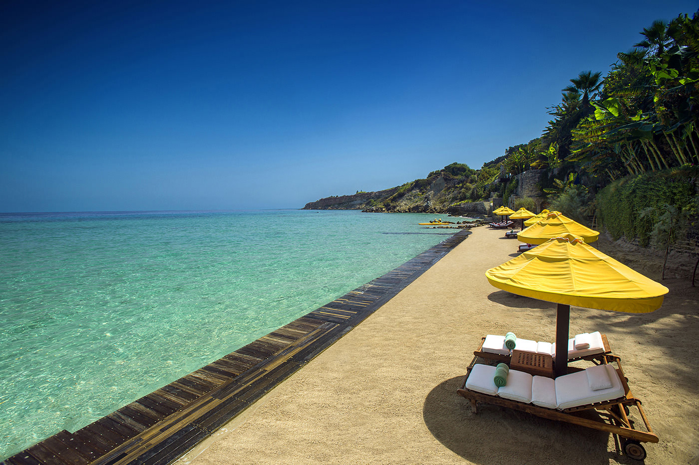 Best Villas with Private Sandy Beach